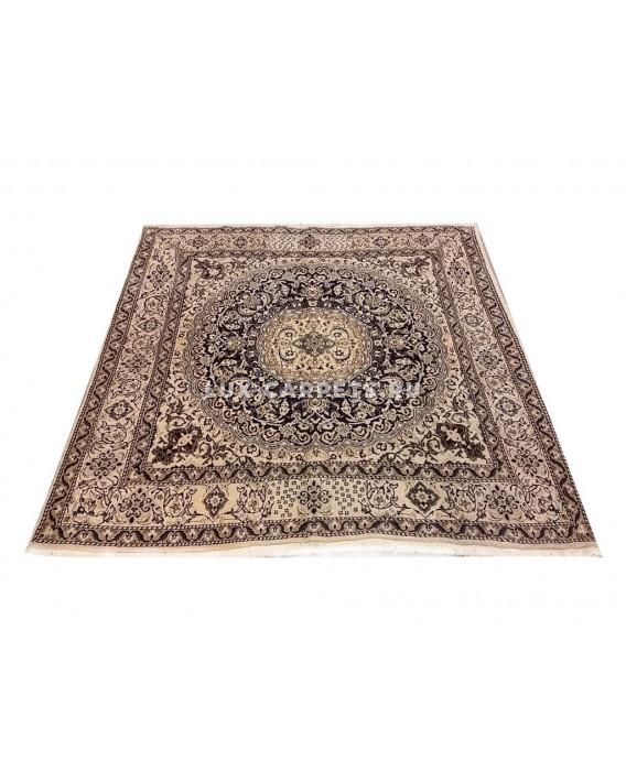 Ковер Persian Nain 1.95 x 2.09